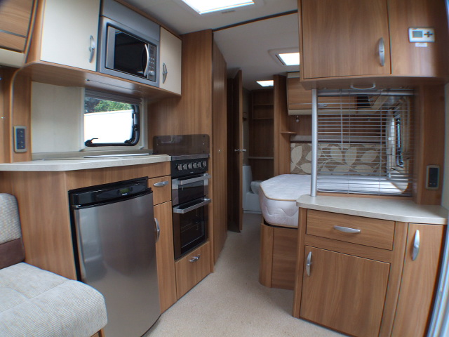 2011 Swift Conqueror 570