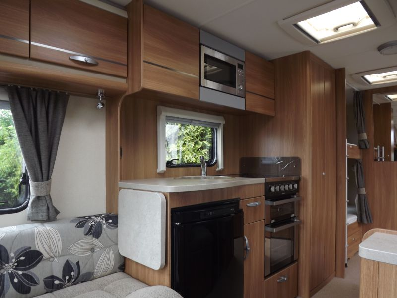 2013 Swift Challenger 585