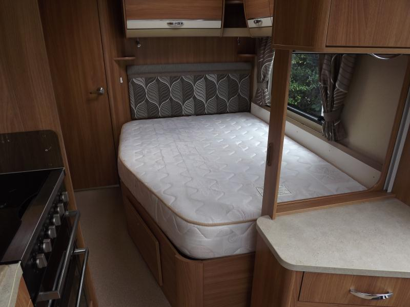 2013 Swift Conqueror 570