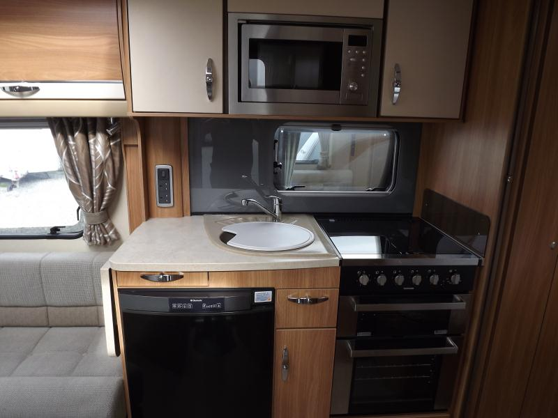 2013 Swift Conqueror 570 4.JPG