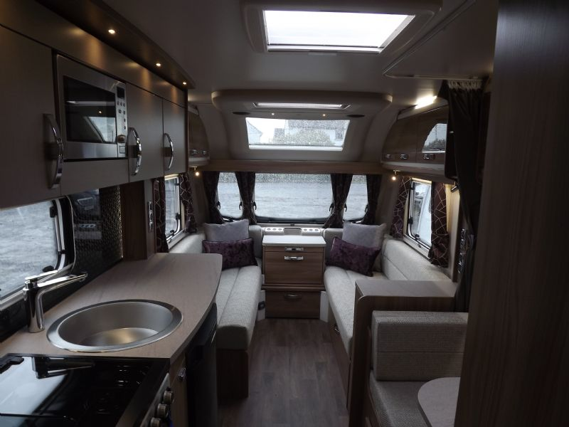 2020 Swift Challenger 530 7.JPG